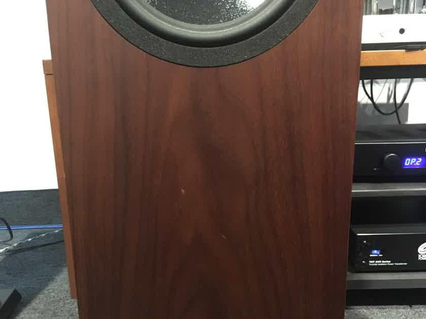 Neat Acoustics Petite Elite SX Discontinued Model Offer