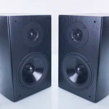 1 Bookshelf Speakers