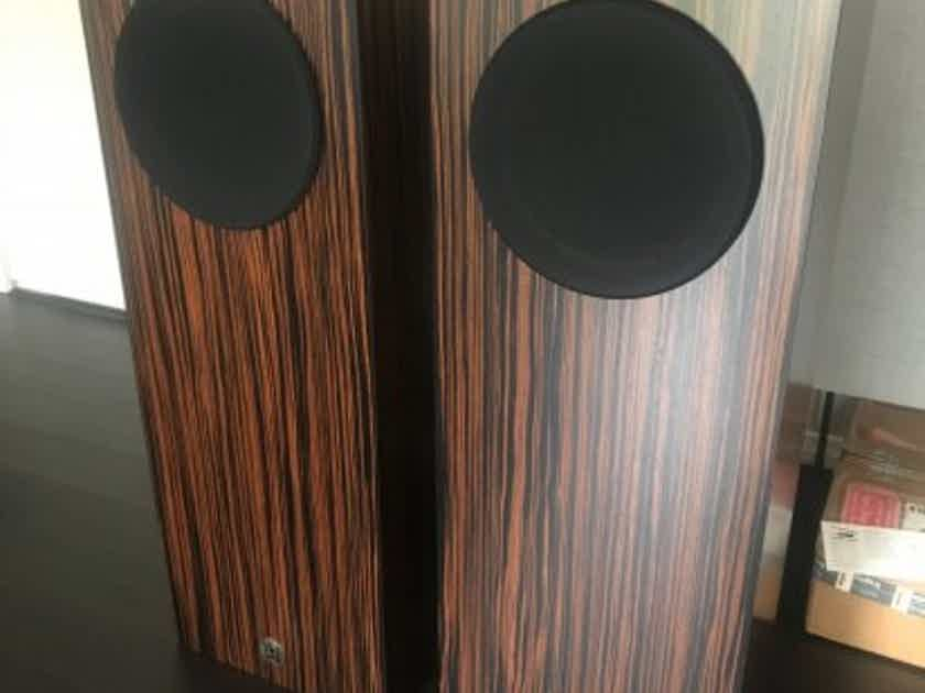 Omega Speaker Systems Super 8 XRS