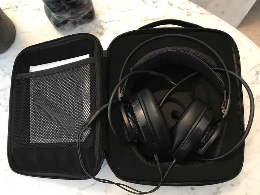 AudioQuest NightOwl Closed Headphones - Mint Condition!