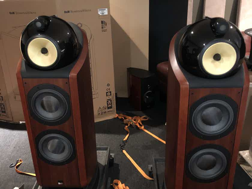 B&W (Bowers & Wilkins) 802D complete and excellent matching center also available