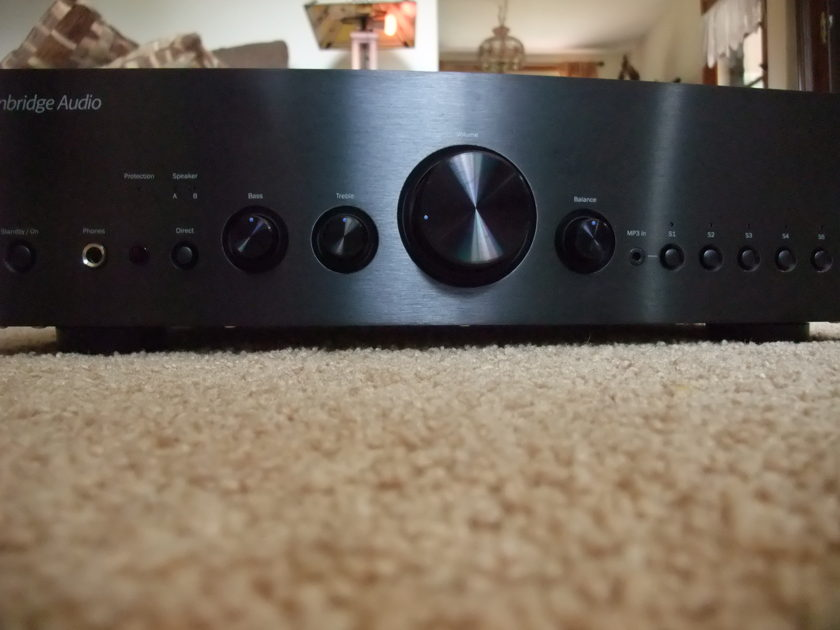 Cambridge Audio Azur 651A  Black Integrated Amplifier