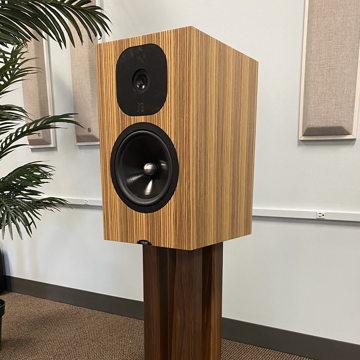 Neat Acoustics Momentum SX3i Speakers - Mint Demo!