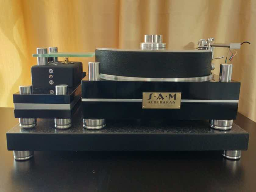 SAM (Small Audio Manufacture) Aldebaran Audiophile Turntable