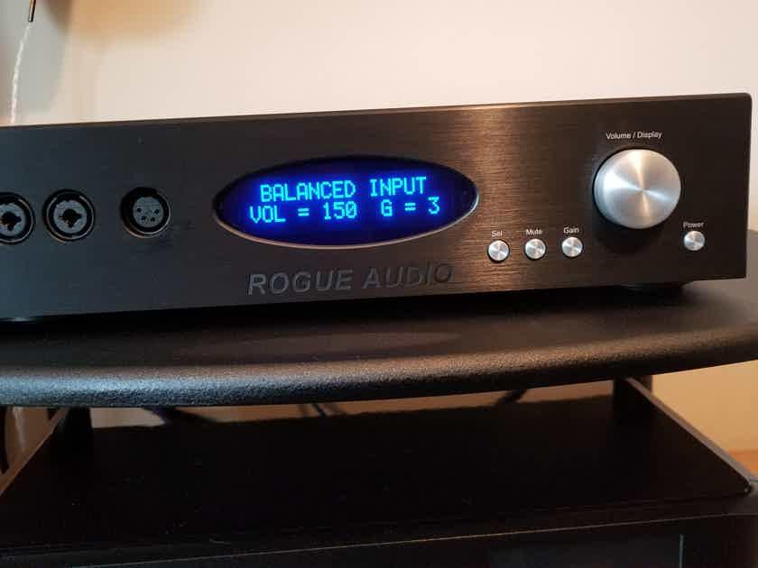 Rogue Audio RH-5 Tube hybrid headphone amp