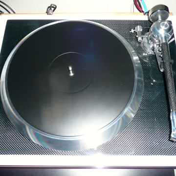 E.A.T. - C Sharp Turntable - Limited Edition White -  Ortofon Quintet Black -