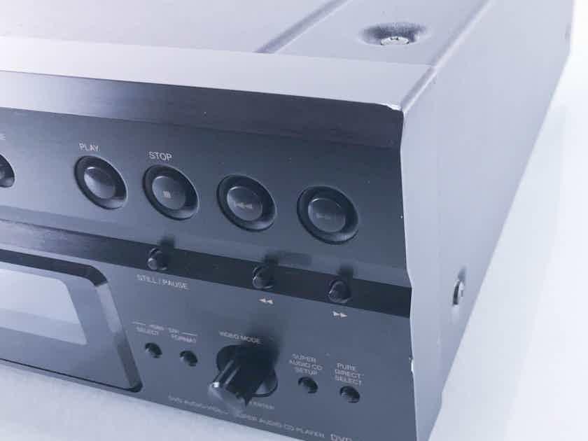 Denon DVD-3910 Universal / SACD / CD Player (11697)