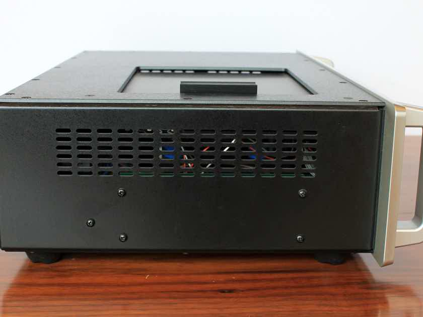 Audio Research CD6 CD Player w/DAC in Silver Finish