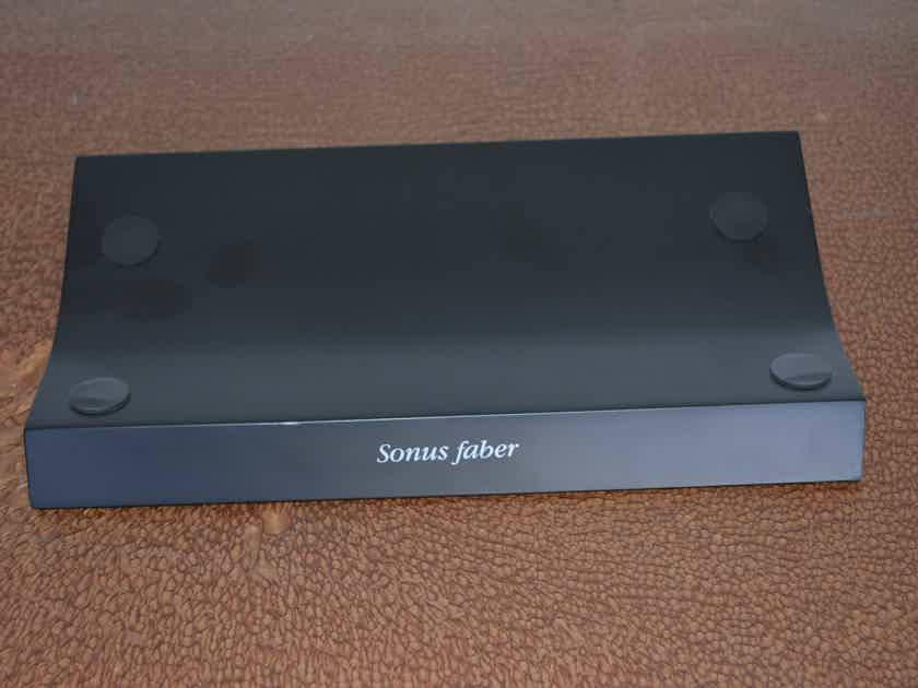 Sonus Faber Venere Center Channel Speaker -- Excellent condition (see pics)!