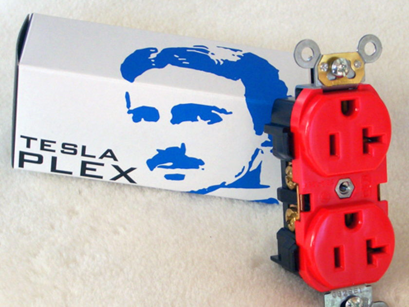 Synergistic Research Tesla Plex SE wall outlet - Quantum Tunneled with 2 Million Volts