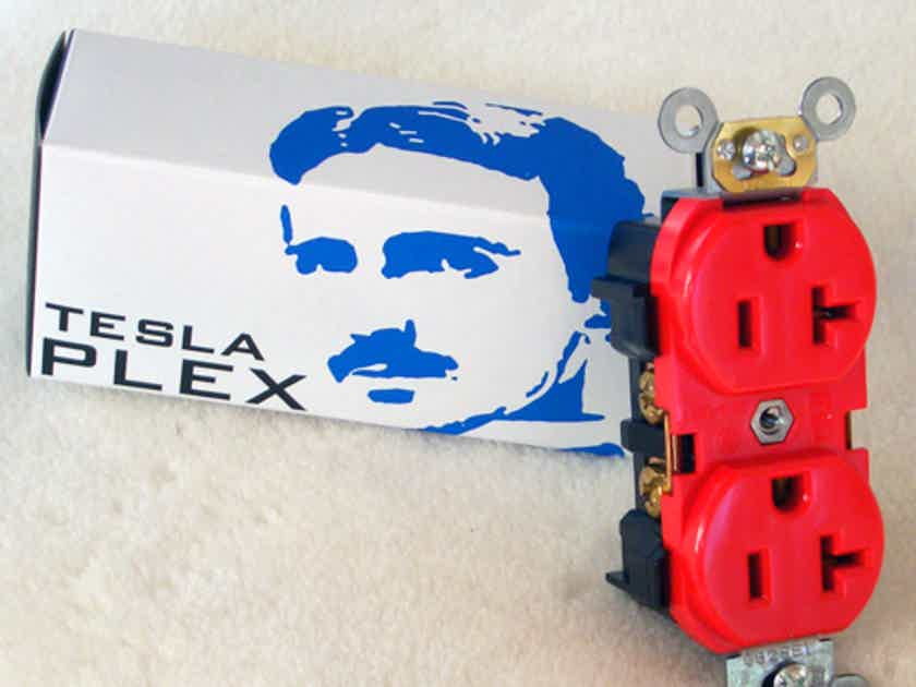 Synergistic Research Tesla Plex SE wall outlet - Quantum Tunneled with 1 Million Volts