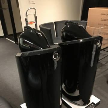 B&W 800D2 Loudspeakers  in black color