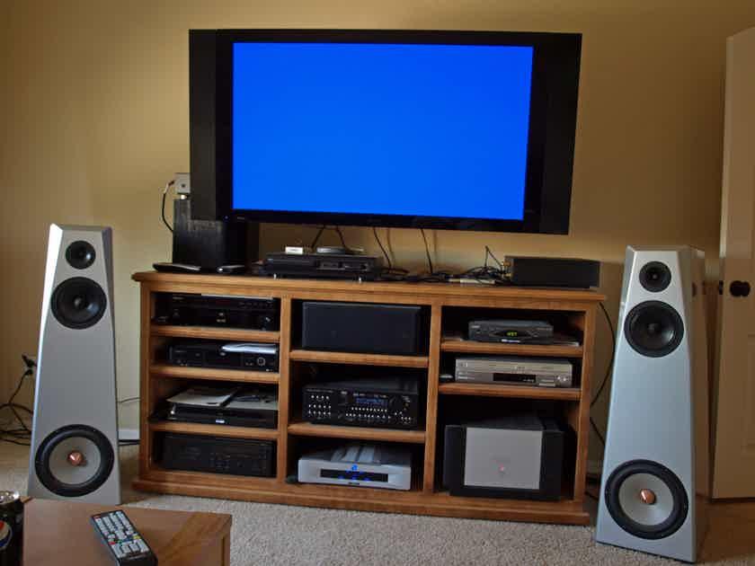 Von Schweikert (VS) DB-99 Mk II full-range, bass-amplified Speakers