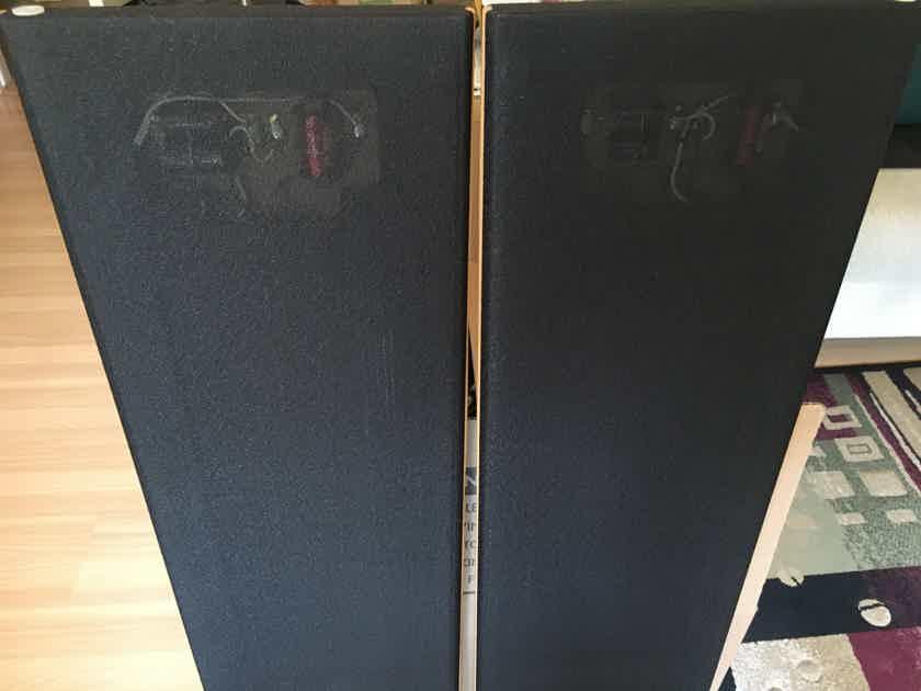 Magnepan MC-1 HIGH RESOLUTION PLANAR ON WALL RIBBON SPEAKER SYSTEM ELEGANT BLACK/OAK FINISH