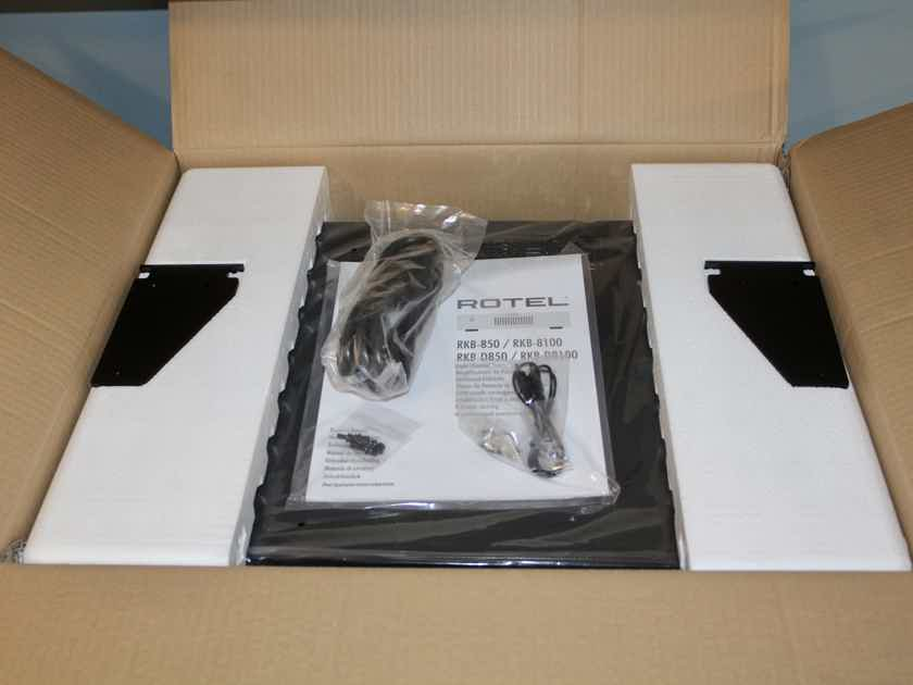 Rotel RKB-850 eight channel power amplifier IMMACULATE - FACTORY SHIPPING CARTON