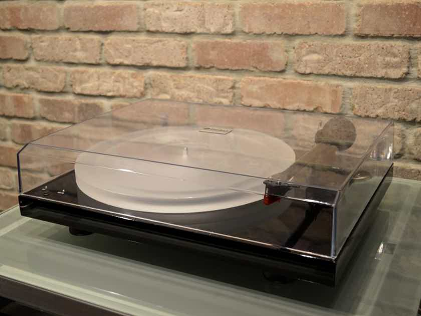 Pro-Ject Audio Debut Carbon Esprit SB - Piano Black / Acrylic Platter