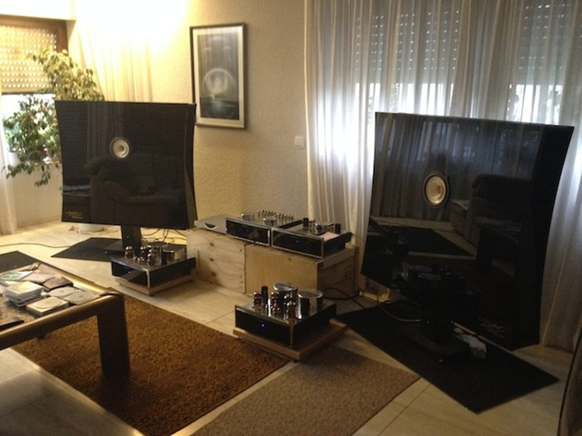 Voxativ Ampeggio Due with Fieldcoildriver Flagship Loudspeakers