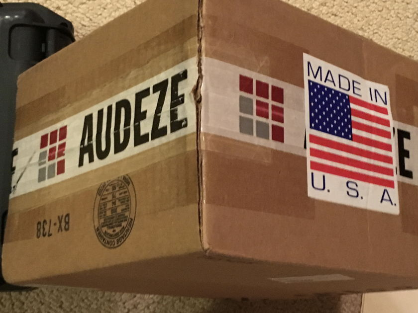 Audes USA LCD-X w Case and 5 m Cardas Clear Cable