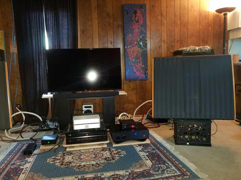 Redgum Audio  RGI-120ENR Blackface Series.