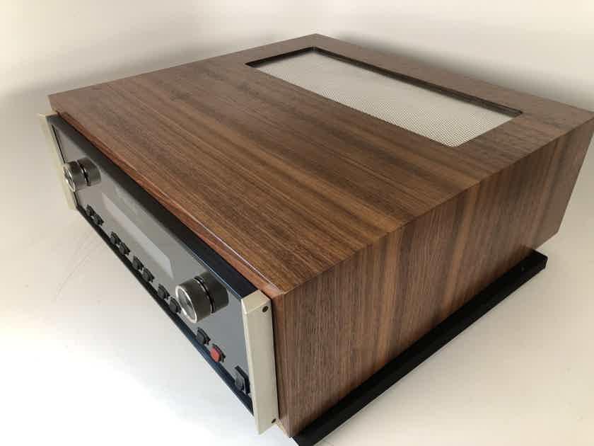 McIntosh MR85 AM/FM Tuner in Custom Walnut Wood Case