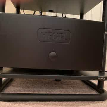 Hegel H30 Amplifier : State Of The Art & Trades OK