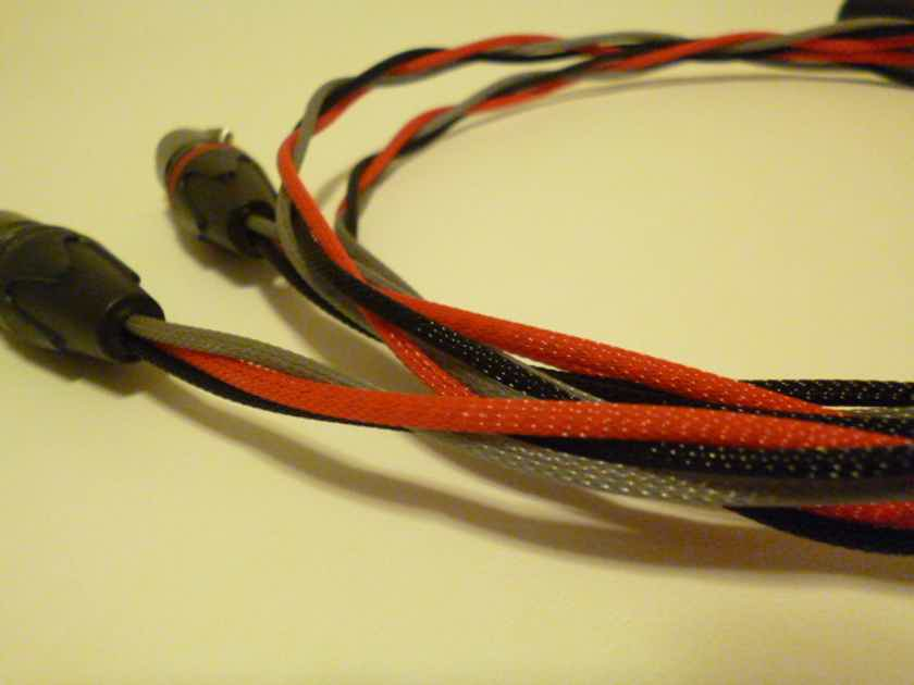 Schmitt Custom Audio Cables WE Solid 24g Black Gold 3 pin XLR Cables 1m 1pr