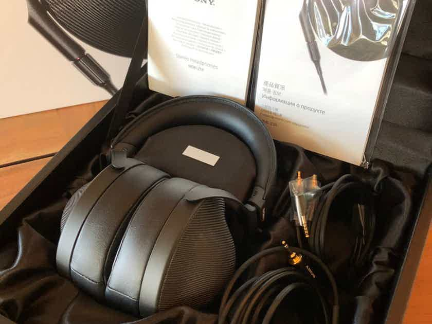 Sony MDR-Z1R Signature Headphone Made In Japan ~ LIKE NEW