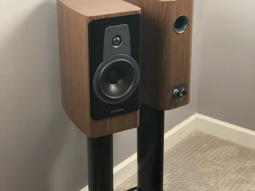 Dynaudio Contour 20s - Walnut Finish - w/ Black Stand 6s - Awesome Speakers!!
