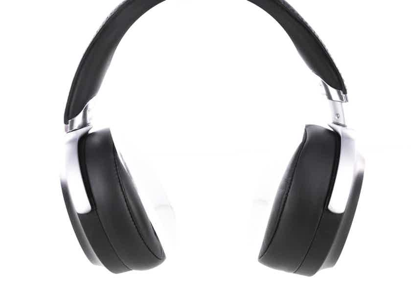 Sony MDR-Z7 Closed Back Headphones; MDRZ7 (20689)