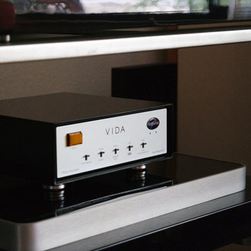 Aurorasound VIDA in Black Gloss finish