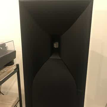 JBL Studio 530 Speakers