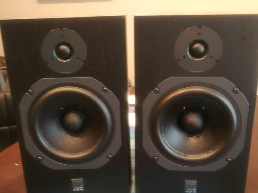 ATC SCM-11 Speakers Black
