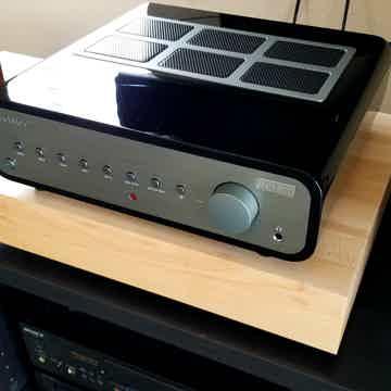 Nova 300