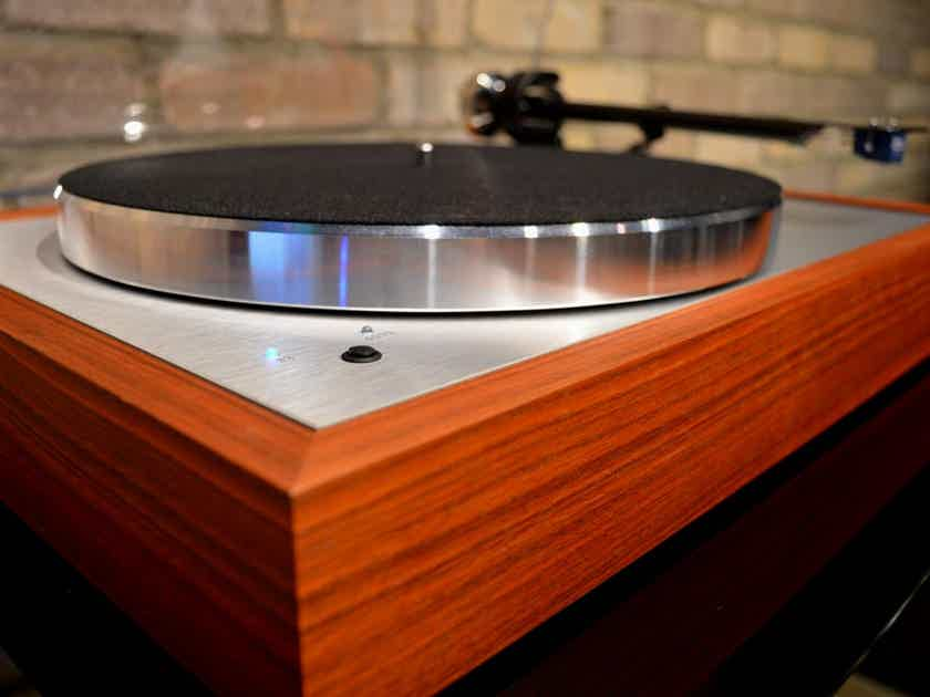Pro-Ject Audio Systems The Classic DC - Rosenut w/ Sumiko Blue Point #2