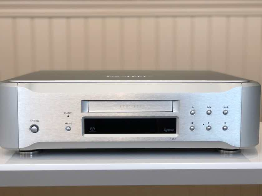 Esoteric P-05X - Silver Finish - World-Class CD/SACD Transport - Mint Customer Trade-In - Interest Free Financing Available!!!
