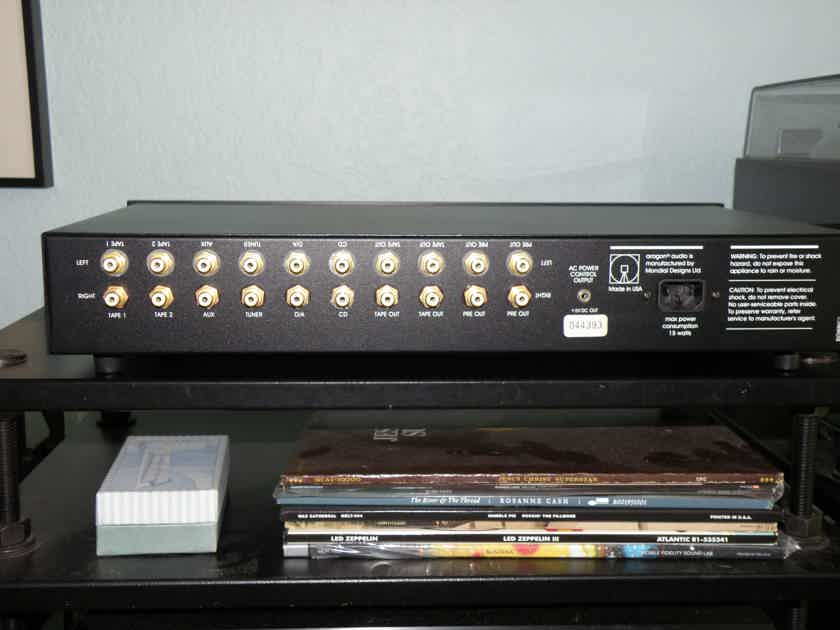 Aragon 28 K LINESTAGE PREAMPLIFIER WITH REMOTE