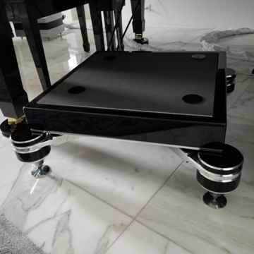 Critical Mass Systems Olympus-V12 Amplifier Stand