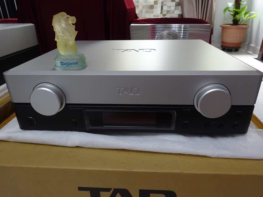 TAD LABS C2000 - mint condition