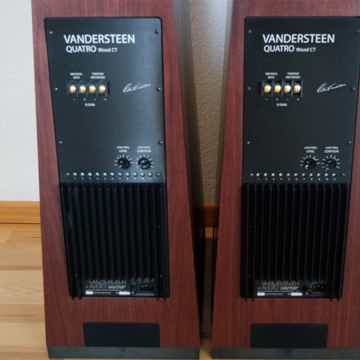 Vandersteen Quatro Wood CT in Mahogany Walnut