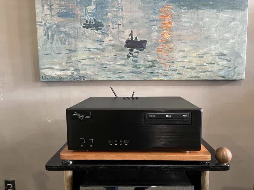 Pre owned Music Vault Diamond Ultra with Ultra low jitter Clock on board
