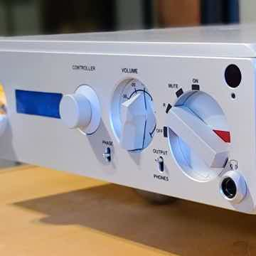 Nagra Tube Dac w/Classic Power Supply & VFS Platform