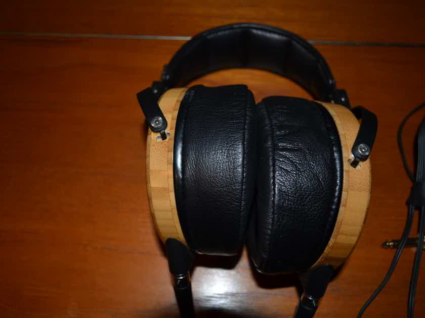 Audeze LCD-2 Headphones. Bamboo with Lambskin Earpads. MINT Condition Fazor