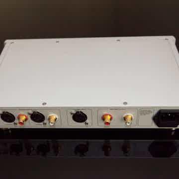 Questyle Questyle 2x CMA800R, 1x CMA800P