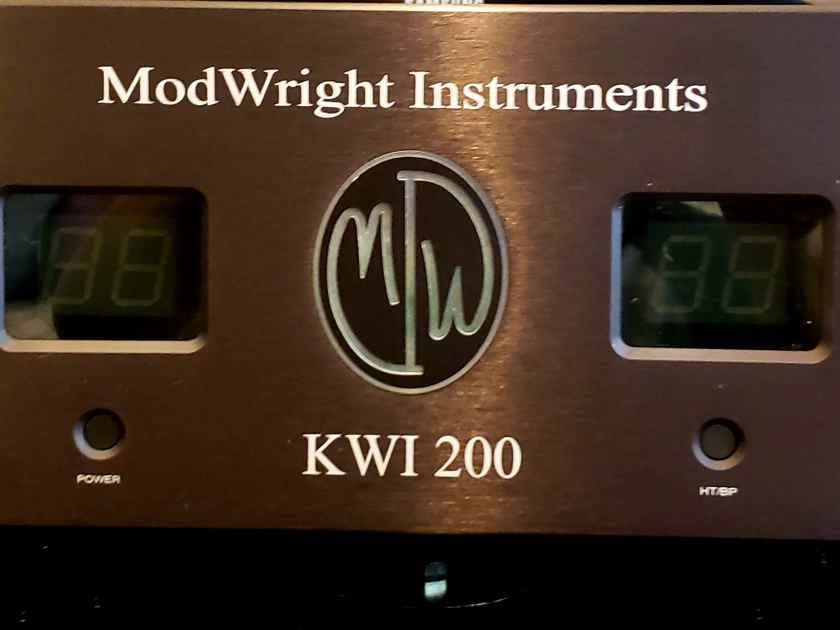 Modwright KWI-200 Integrated Amplifier w/ DAC, black, excellent condition