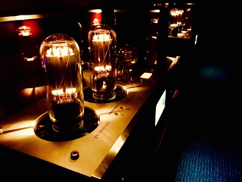 Triode TRX-M845 845/211 mono S.E.T. power amplifiers