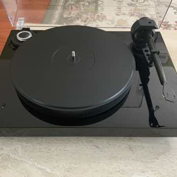 Pro-Ject  2-Xperience SB Turntable