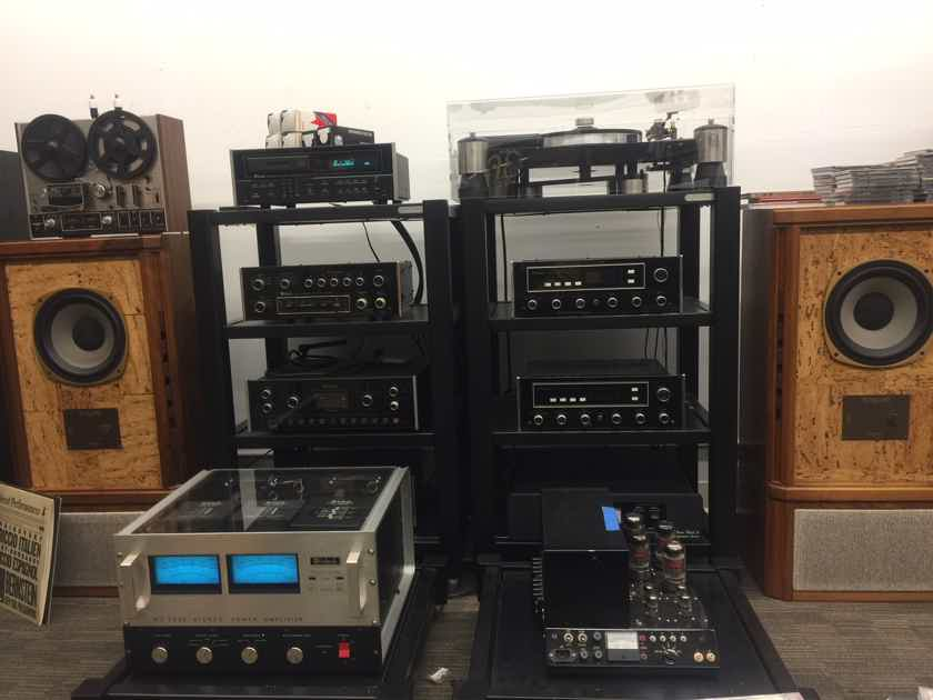 McIntosh Solid State C33 C-33 Precision Stereo Preamplifier with PhonoStage ..........................near San Francisco