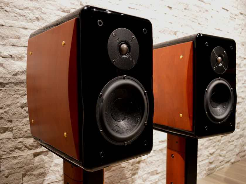 Usher Audio Compass X-719 Monitor Loudspeaker with Matching Stands