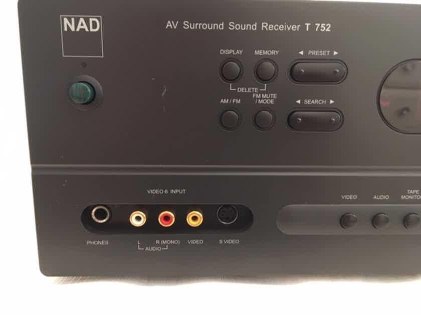NAD AV Surround Sound Receiver T752