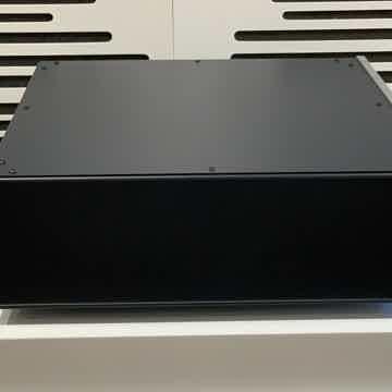 SHUNYATA RESEARCH HYDRA TYPHON X1 POWER DISTRIBUTOR